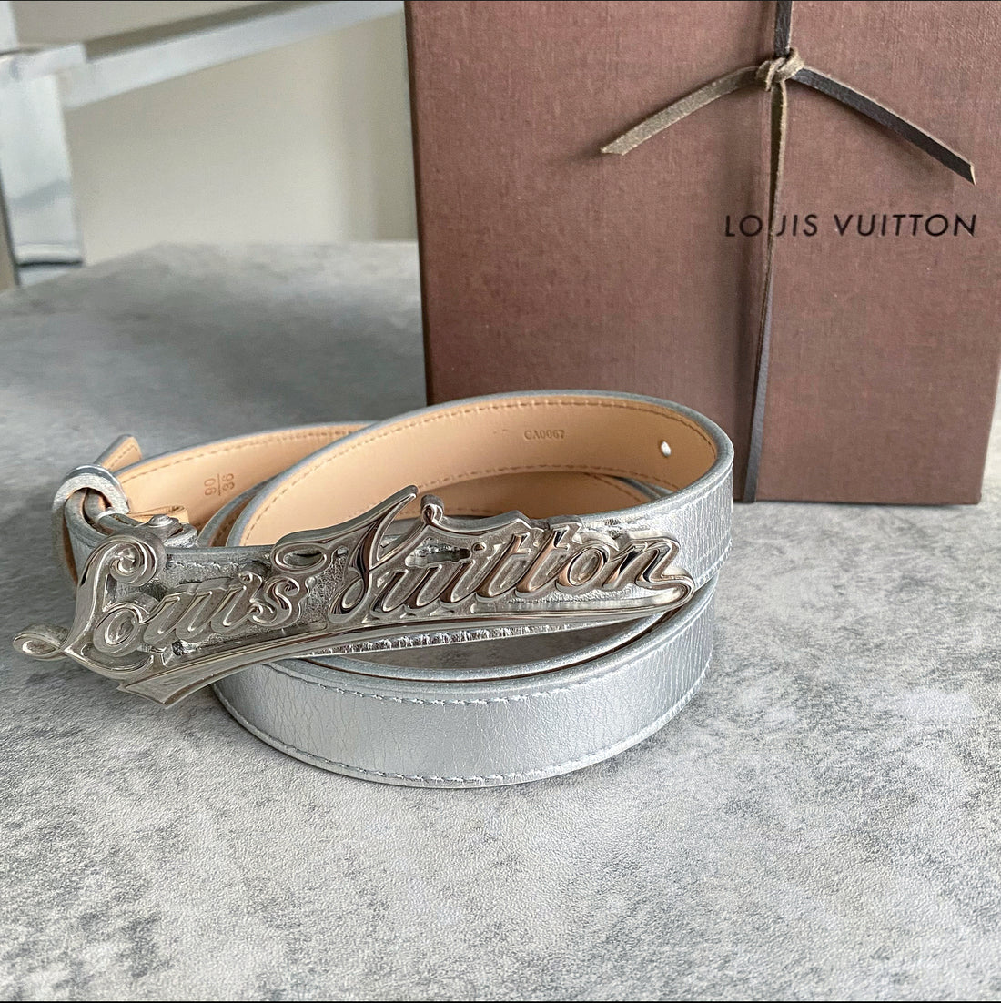 Louis Vuitton Silver Cursive Logo Buckle Belt - 90 / 36