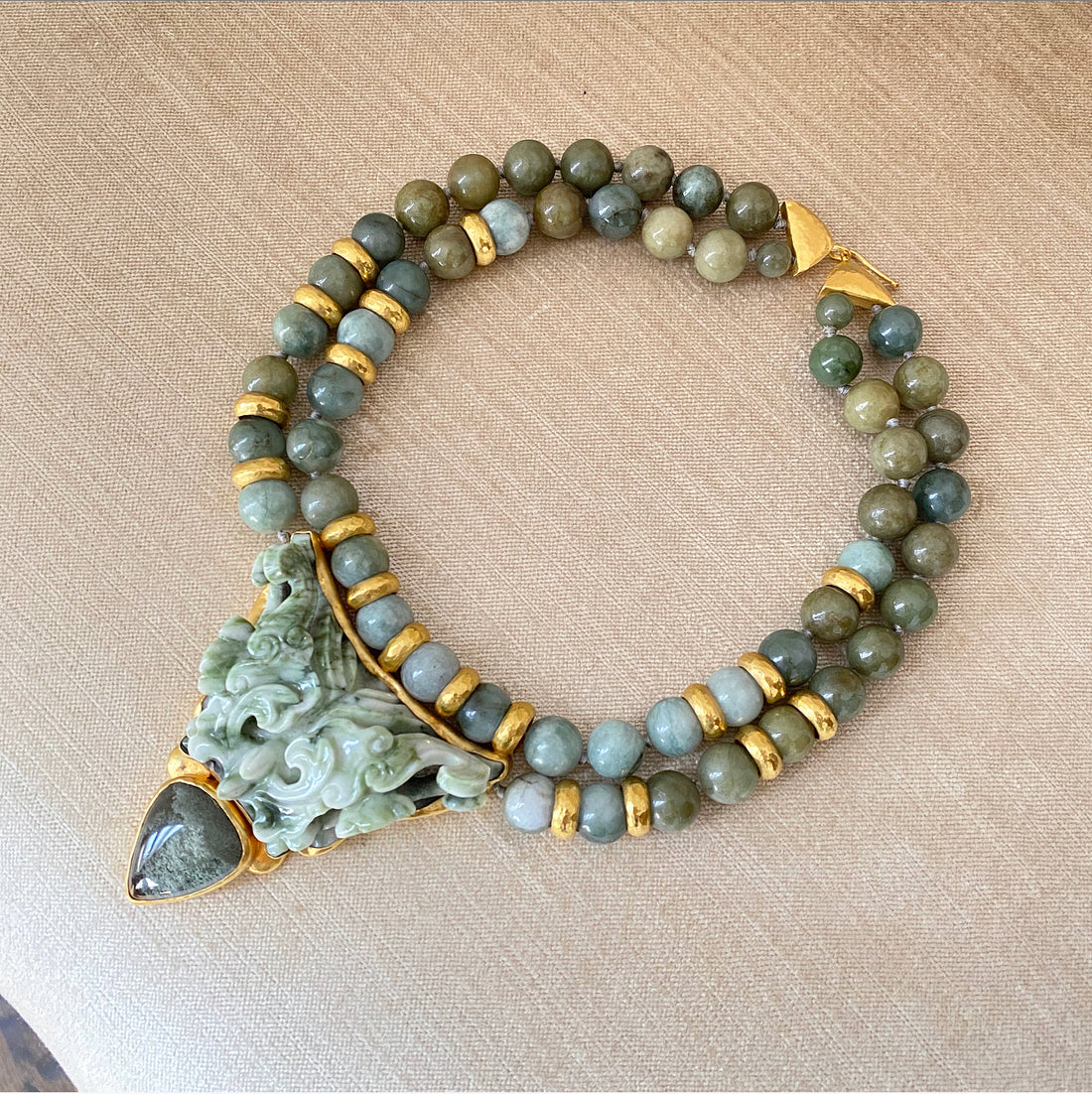 Eileen Coyne 22k Gold and Carved Jade Bead Pendant Necklace