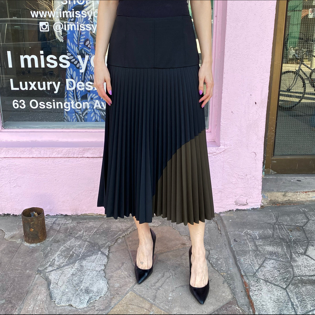 Fendi Black and Olive Green Pleated Midi Skirt - IT42 / USA 6 / M
