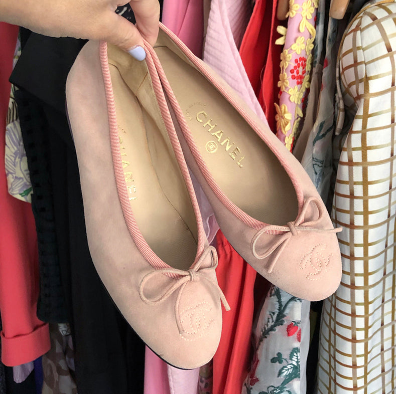 Chanel Light Shell Pink Suede CC Ballet