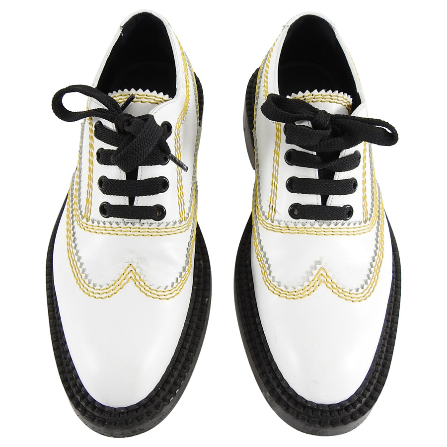 Burberry London White Oxford Lace up with Yellow Topstitching - 6.5