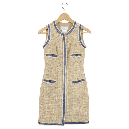 Chanel 09P Beige Tweed and Denim Blue Trim Sleeveless Dress - 2