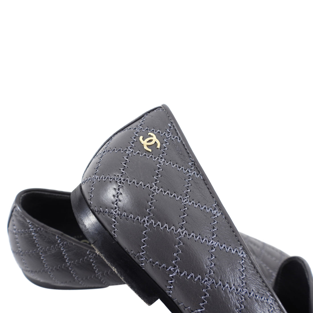 Chanel Grey Quilt Flat Loafer Slippers with CC Logo - 38.5 / 8