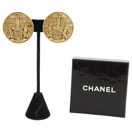 Chanel Vintage 1980's Large Gold Griffin and Crest Clip Earrings