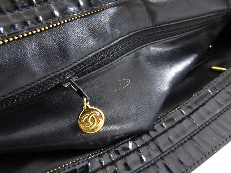 Chanel Vintage 1990's Patent Leather Gold CC Logo Shoulder Bag