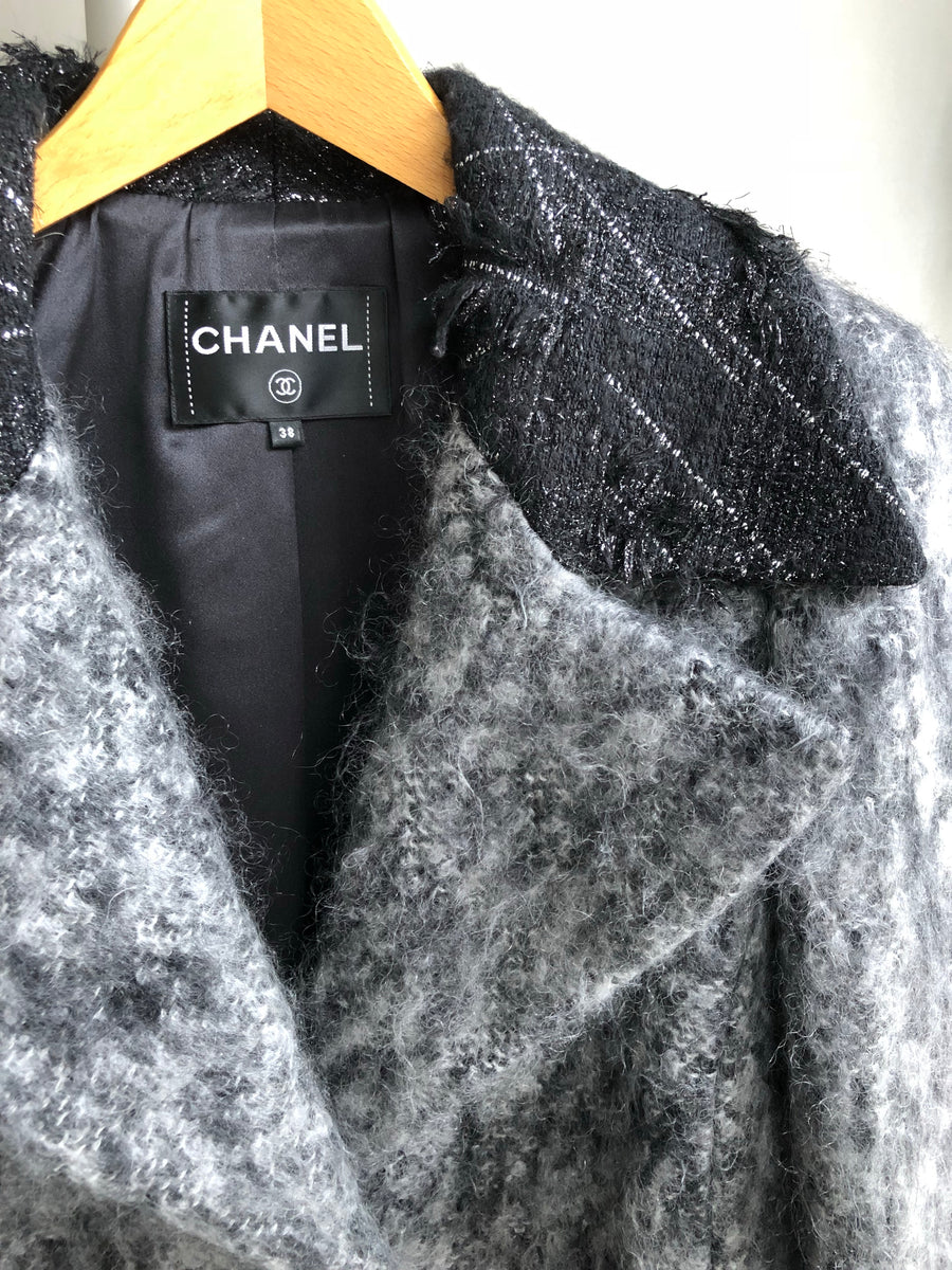 Chanel Fall 2017 Runway Grey Coat - 38
