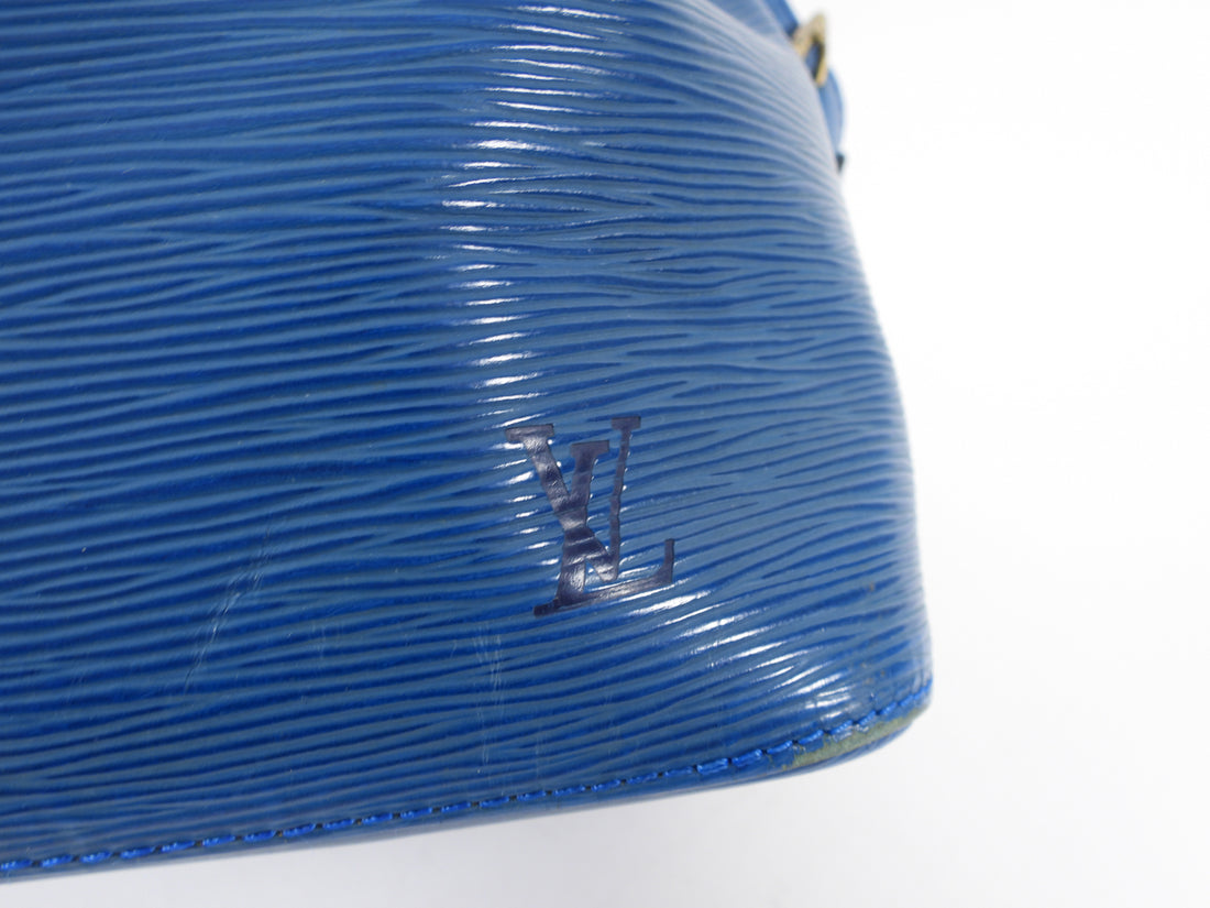 Louis Vuitton Blue Vintage 1994 Epi Noe PM Bucket Bag