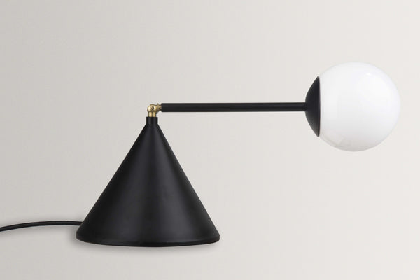 Esferra Table Lamp - Hatsu