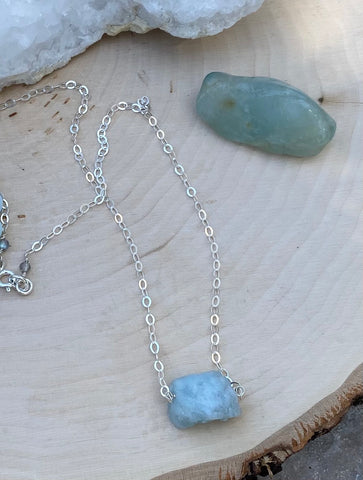 Aquamarine free form sterling silver necklace