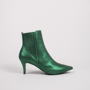 GORDANA GREEN CHELSEA POINTED BOOTS