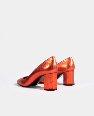 ESCARPIN TALON MOYEN LARGE BOUT CARRÉ CUIR MÉTALLISÉ ORANGE GORDANA ORANGE METALIZED LEATHER SQUARE TOE MID HEEL PUMP