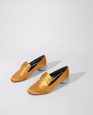 MOCASSIN ALICE EN SATIN DE SOIE ORANGE AVEC TALON STRASSÉ