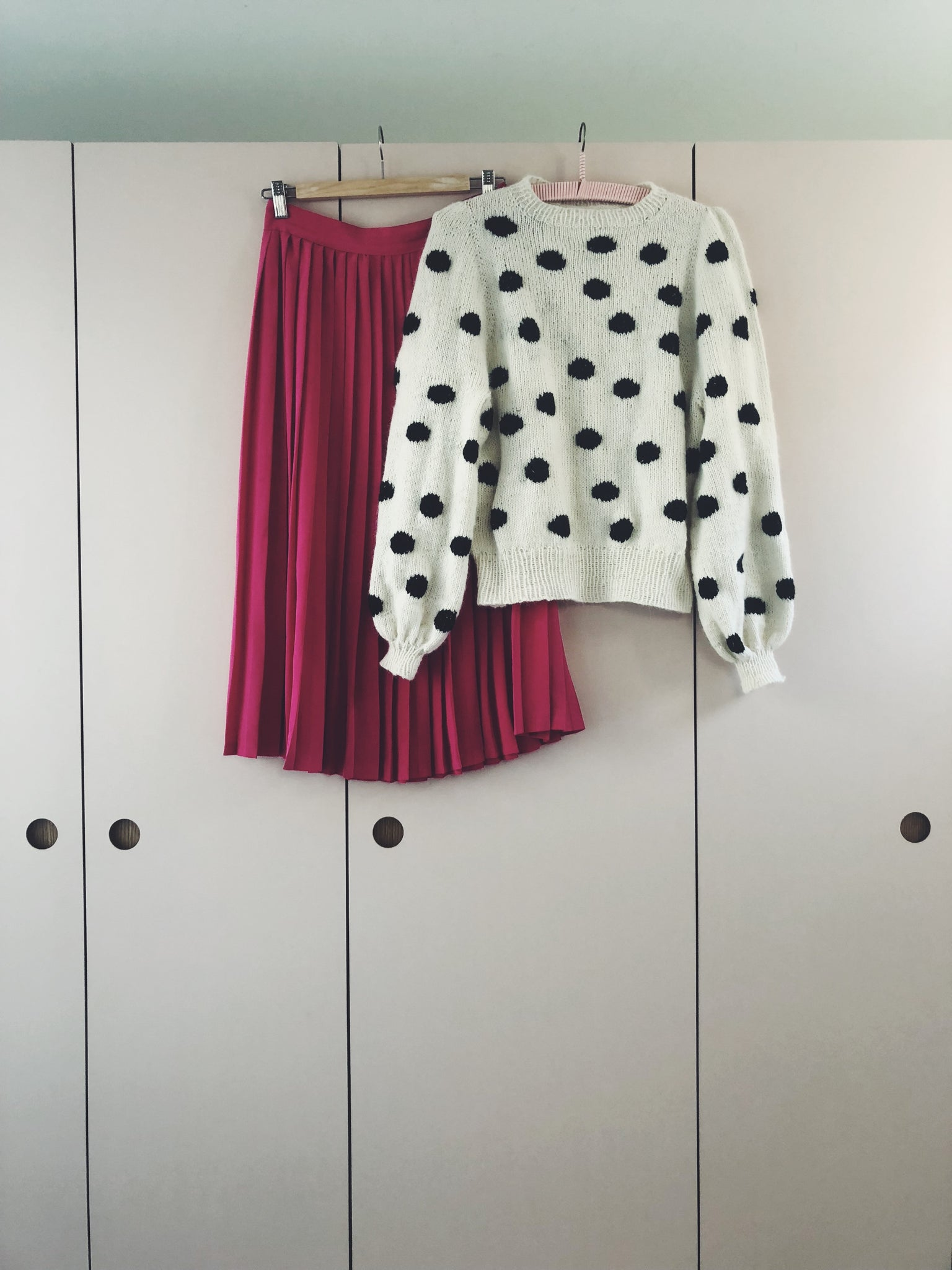 Polka dot sweater (english version)