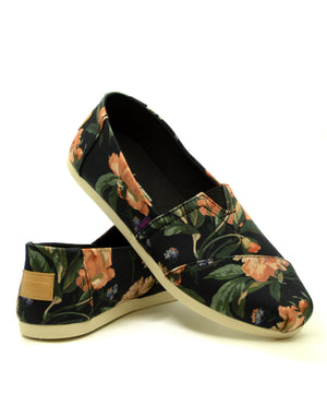 TOMS Classic Black Decadent Bloom Liberty Print cipő