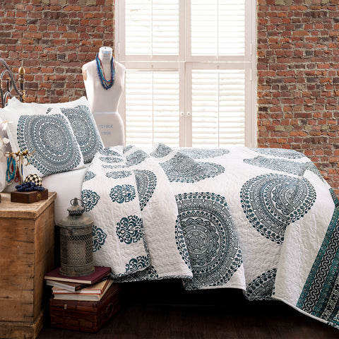 Shaila Medallion Quilt Set by Lush Decor