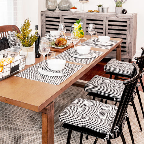 Dining room table decorated with table linens by Lush Decor