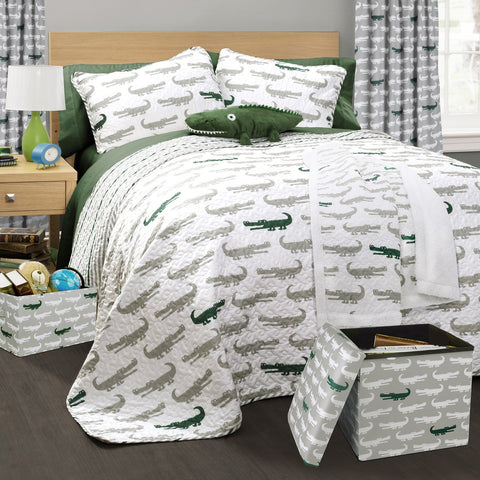 Alligator Quilt, Throw, Storage and Curtains