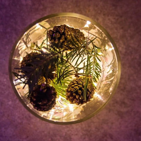 DIY Pine Cone Centerpiece