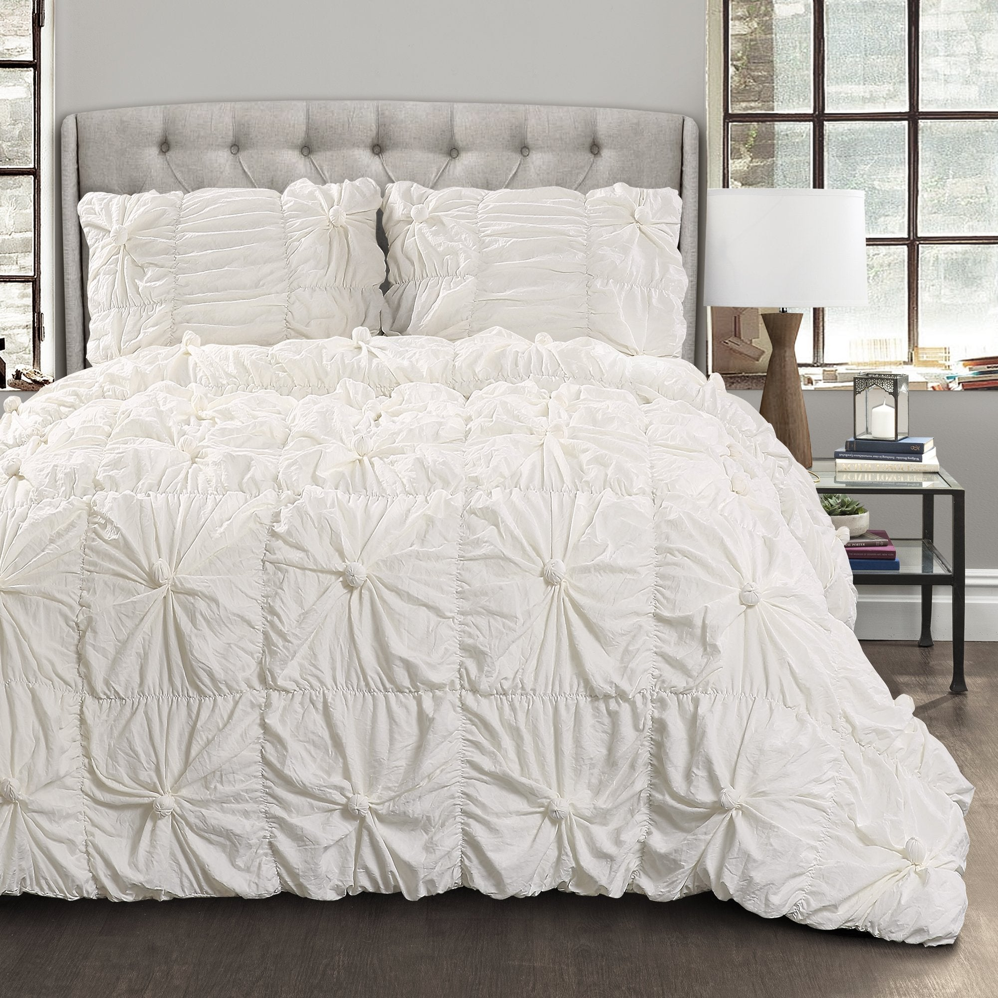 Bedding Bundle: Leah Quilt Set + Bella Comforter Set
