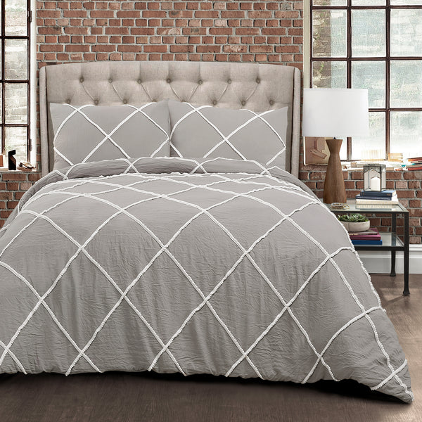 Diamond Pom Pom 3 Piece Comforter Set