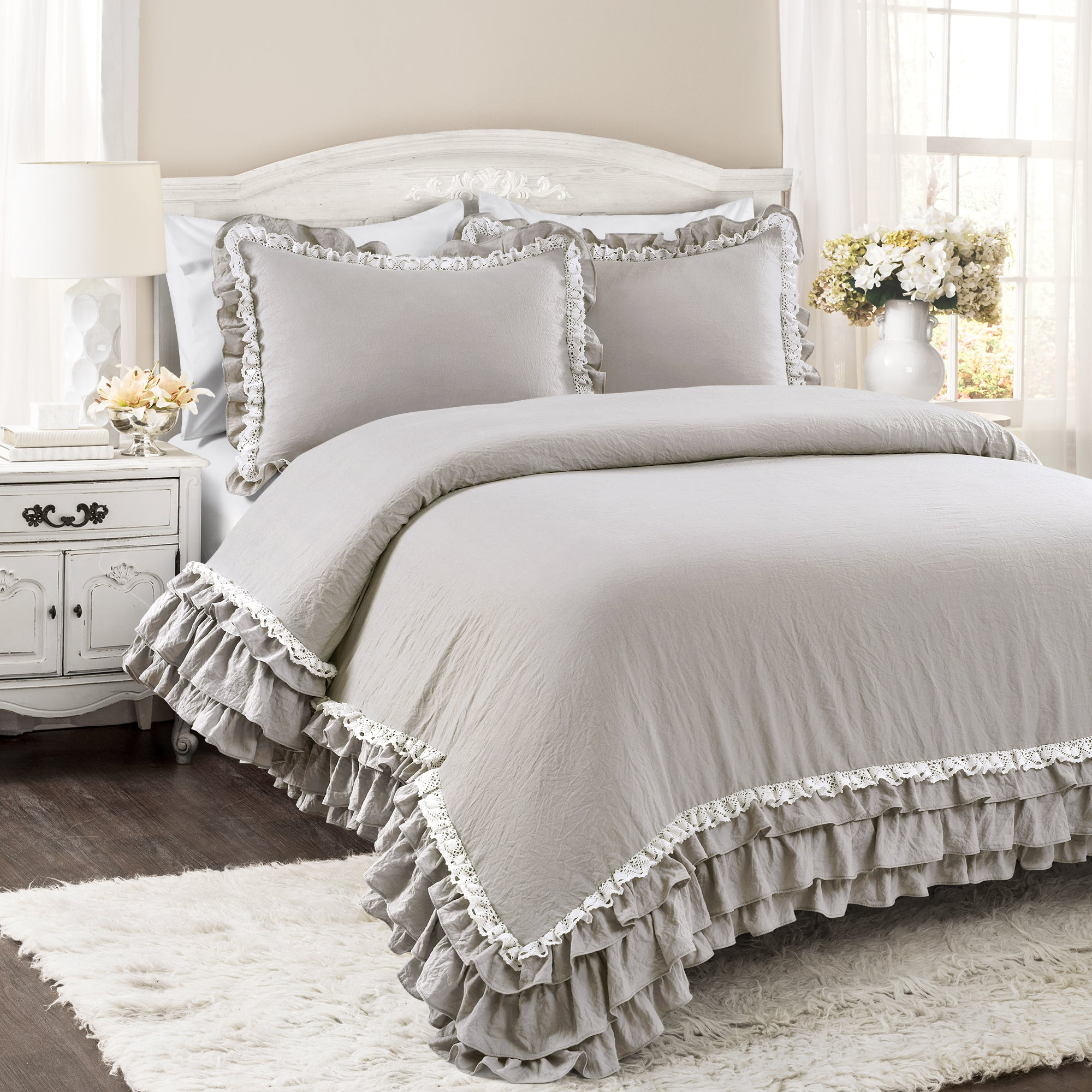 Ella Shabby Chic Ruffle Lace 3 Piece Comforter Set Lush Decor Www Lushdecor Com Lushdecor