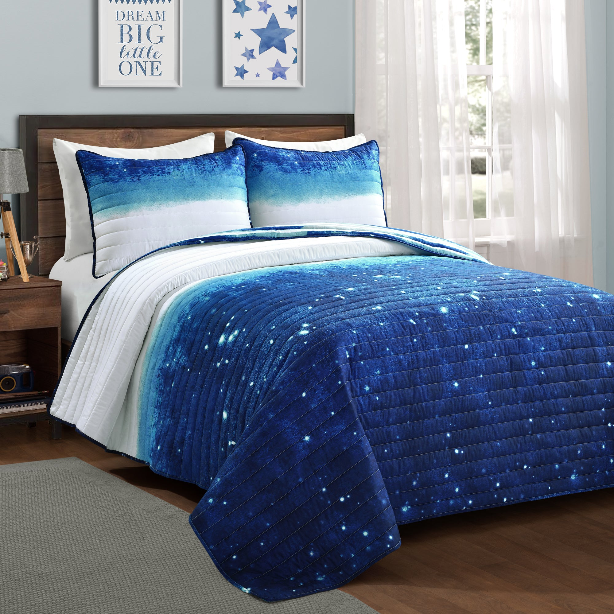 Make A Wish Space Star Ombre Quilt Set