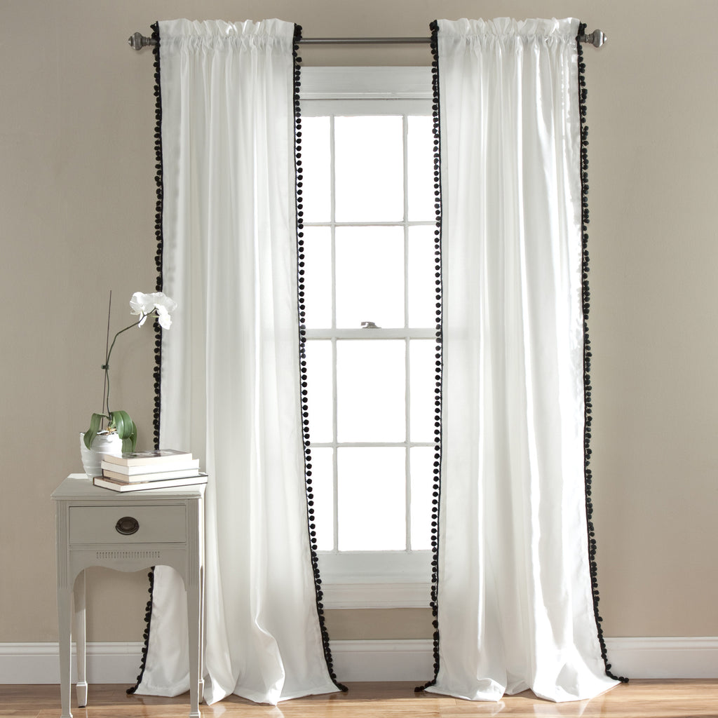 Pom pom window curtain lush decor for Habiller une fenetre