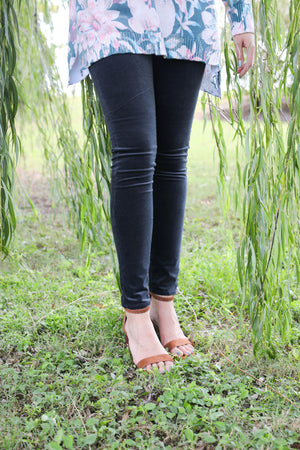 AG Farrah Skinny Rich Mercury, Bottoms - shoplagreen.com