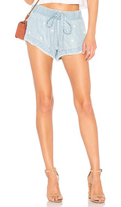 Bella Dahl Fray Hem Short - Light Wash