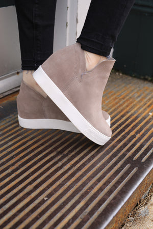 Wrangle Sneaker - Taupe