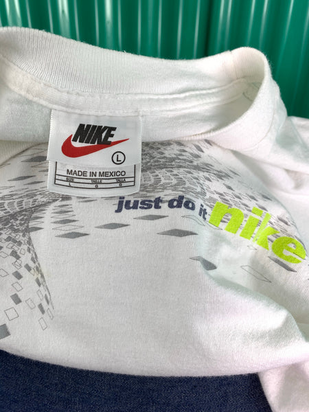 VINTAGE NIKE JUST DO IT T SHIRT