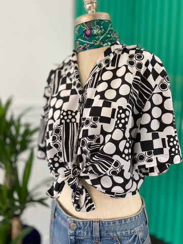 BLACK AND WHITE GEOMETRIC VINTAGE PRINT TOP