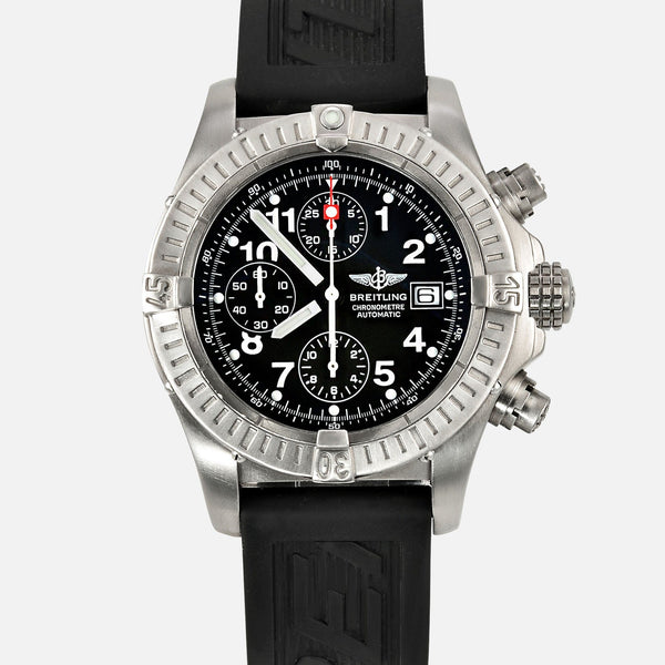 Breitling Chrono Avenger Titanium Black Dial Mens Watch E13360 - NeoFashion Store