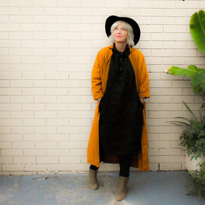 8 looks with 1 dress : Sustainable Styling