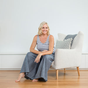 nikki parkinson: lounge + travel in style with sassind