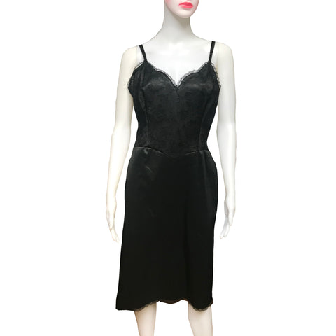 Vintage 1960s Vanity Fair Black Lace Slip