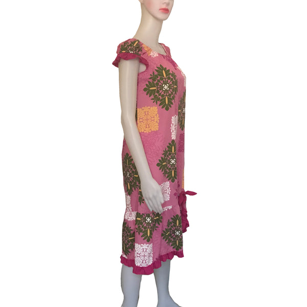 Vintage 1960s Hawaiian Floral Shift Dress