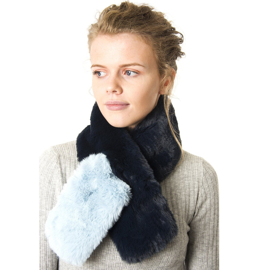 Navy faux fur collar with light blue tip