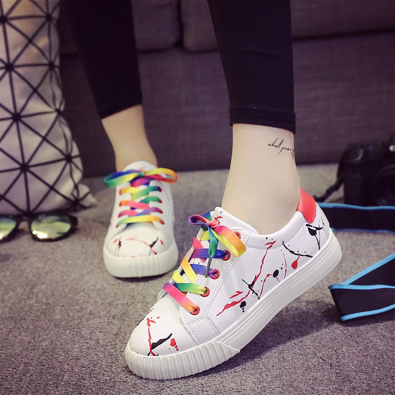 PU Mixed Color Round Toe Flat Heel Doodles Lace Up Sneakers