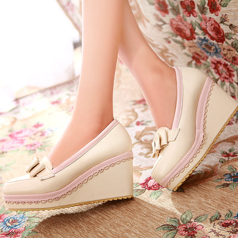 PU Mixed Color Round Toe Wedge Heel Lace Embellished Bowtie Loafers