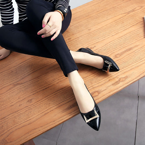 PU Pure Color Pointed Toe Metal Decoration Flat Heel Court Shoes 9 Black