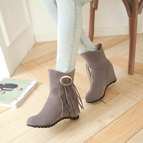 Suede Pure Color Round Toe Tassel Hidden Heel Short Boots 9 Gray
