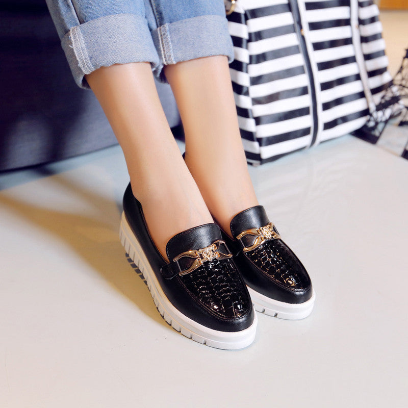 Patent Leather Pure Color Round Toe Flat Heel Plaid Lines Metal With Crystal Loafers 8.5 Black