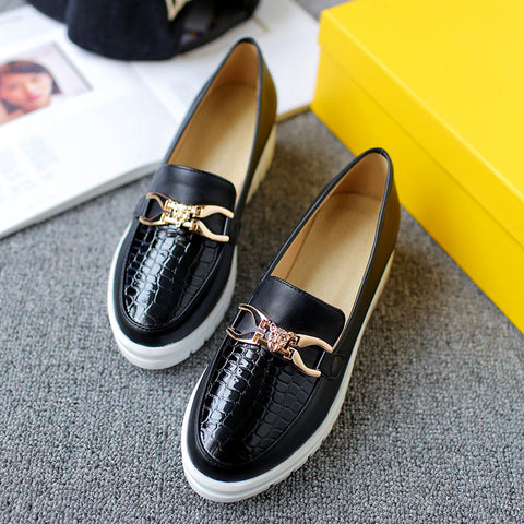 Patent Leather Pure Color Round Toe Flat Heel Plaid Lines Metal With Crystal Loafers 9.5 Black