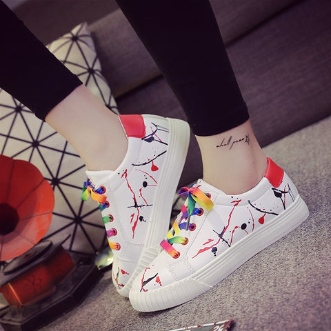 PU Mixed Color Round Toe Flat Heel Doodles Lace Up Sneakers 7.5 Red