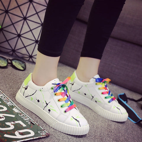 PU Mixed Color Round Toe Flat Heel Doodles Lace Up Sneakers 7.5 Green