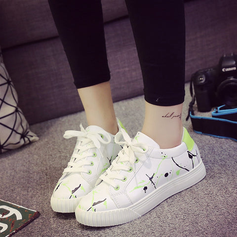 PU Mixed Color Round Toe Flat Heel Doodles Lace Up Sneakers 8 Green