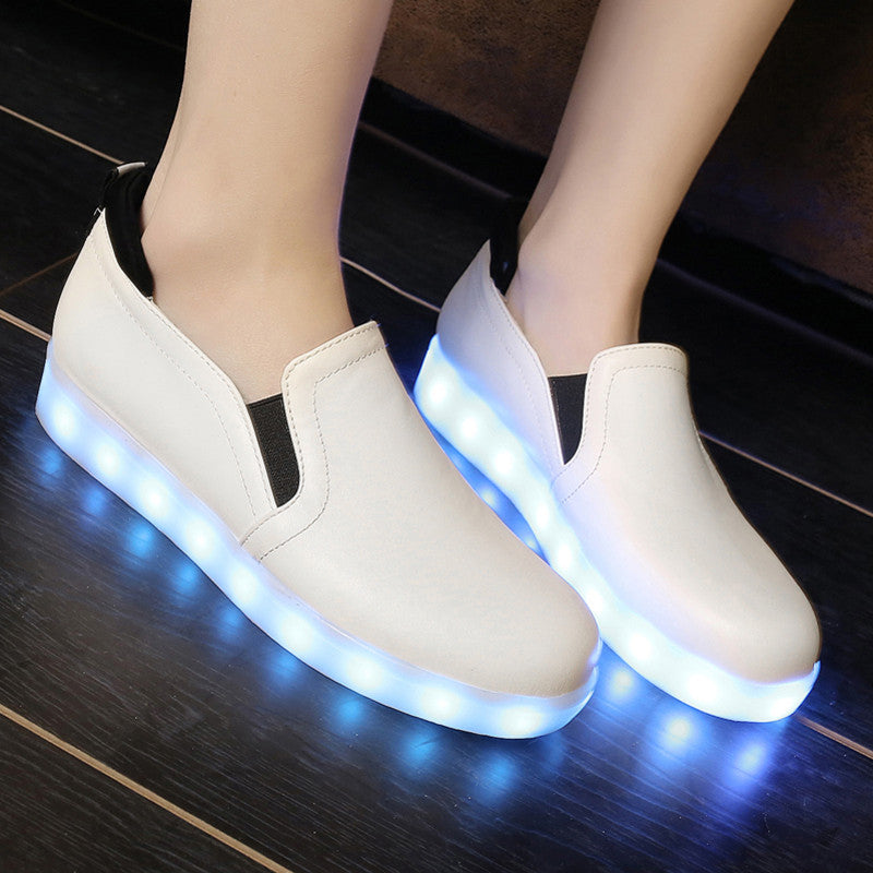 PU Round Toe Flat Heel 7 Colors Led Light Loafers 8.5 White