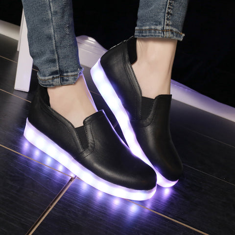PU Round Toe Flat Heel 7 Colors Led Light Loafers 8.5 Black