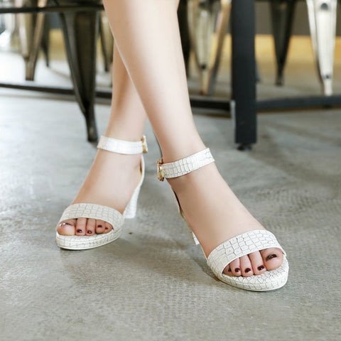 PU Pure Color Open Toe Block Heel Ankle Strap Plaid Lines Sandals 9 White